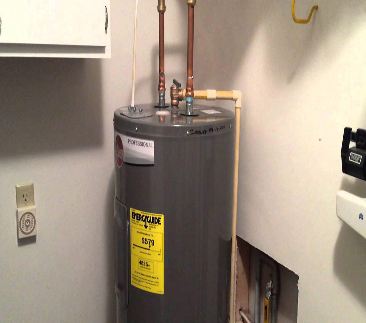 Hot water tank efficient heating service for Efficient hot water systems